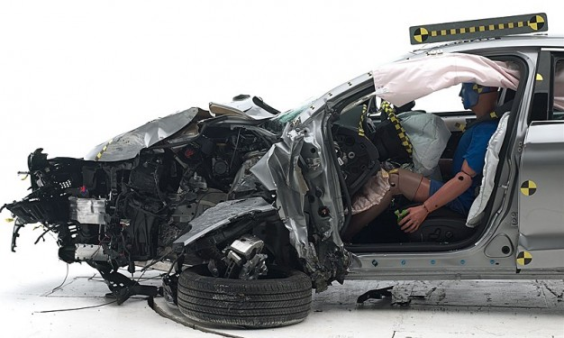 IIHS-Chrysler-200-crash-test-top-safety-pick-626x375.jpg